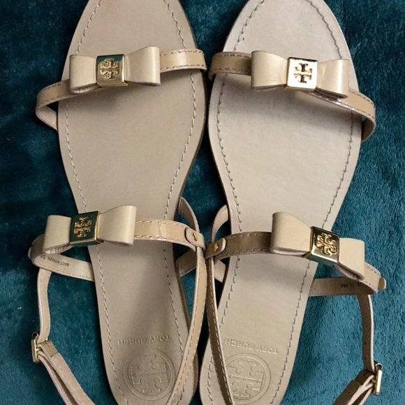2019a20c7a815 Tory Burch Kailey Flat Sandals with box - Original.  M 5ae55b54a44dbe12c7accbd5